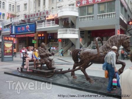 Лошадь и сани / Китай