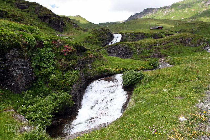 Несколько водопадов / Швейцария