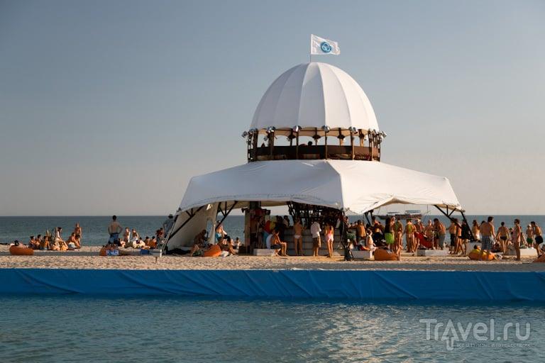 Бар на пляже / Украина