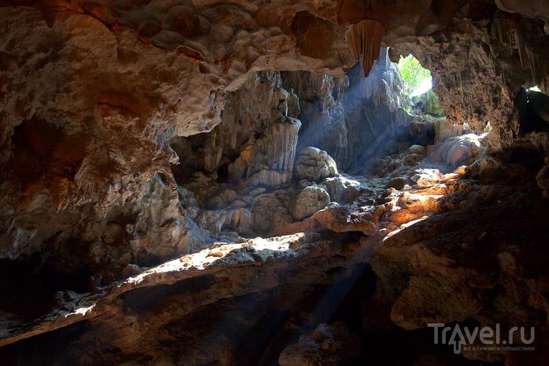 Внутри пещеры / Вьетнам