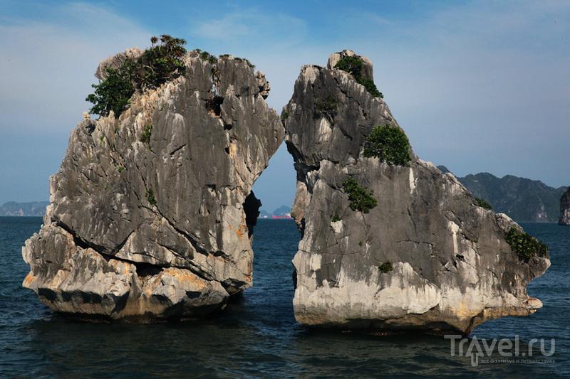 Камни с купюры 200000 / Вьетнам