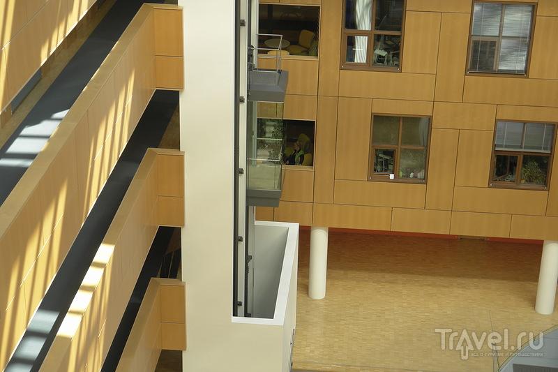 Офисы, коридоры и шахта лифта / Германия