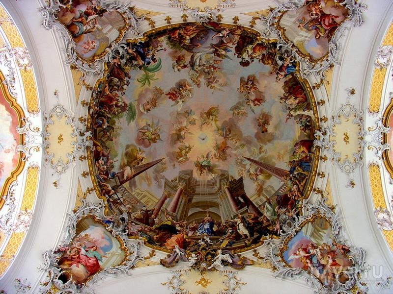 Роспись потолка в базилике Святых Александра и Теодора, Оттобойрен / Германия