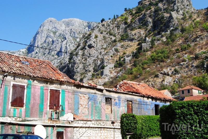 Разрушенные дома / Черногория
