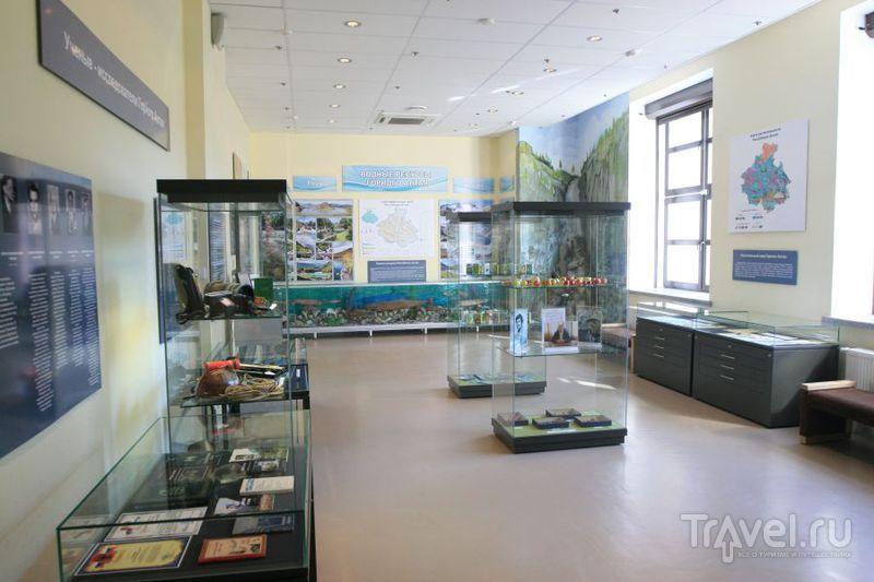 Зал музея без посетителей / Россия