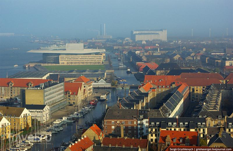 Вид вдоль канала / Дания
