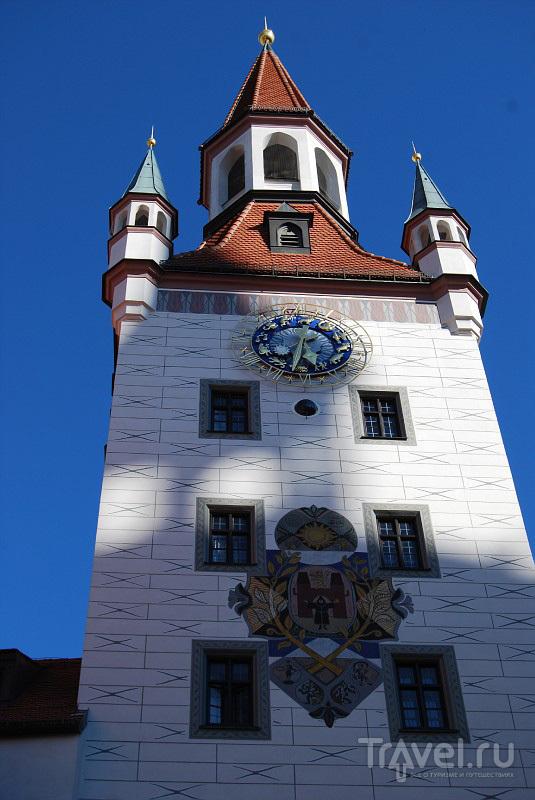 Башня Старой ратуши в Мюнхене, в которой находится музей игрушек, Германия / Фото из Германии