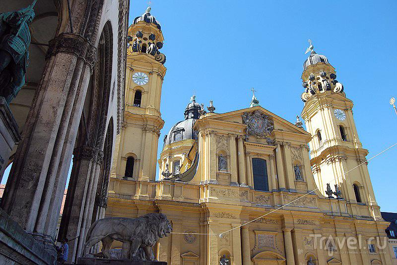 Романская церковь в Мюнхене, Германия / Фото из Германии