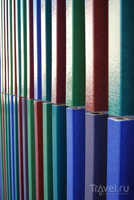 Фрагмент фасада музея современного искусства Брандхорст в Мюнхене, Германия / Фото из Германии