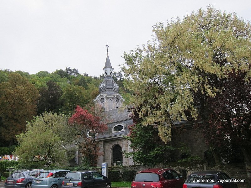 Церковь перед горой / Бельгия