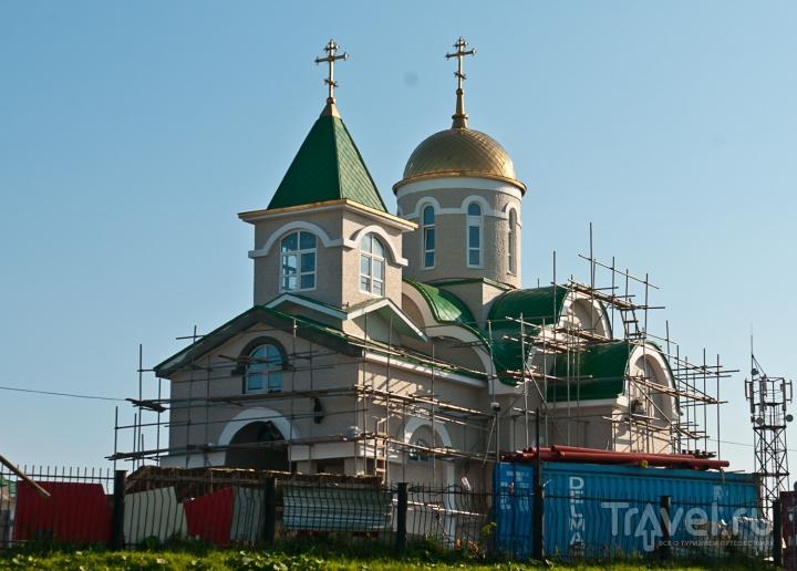 Вновь отстроенная церковь / Россия