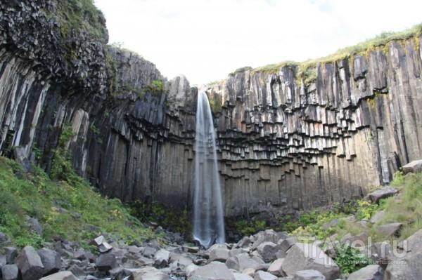 Свартифосс - черный водопад / Исландия