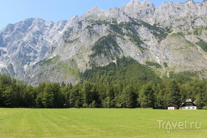 Домики на окраине поля / Австрия