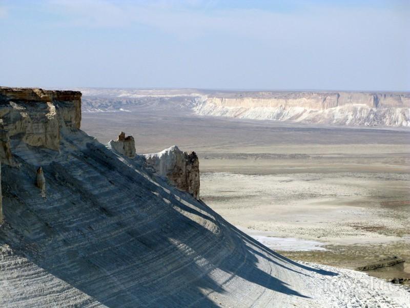 Мотопутешествие. Полуостров Мангышлак и плато Устюрт / Казахстан