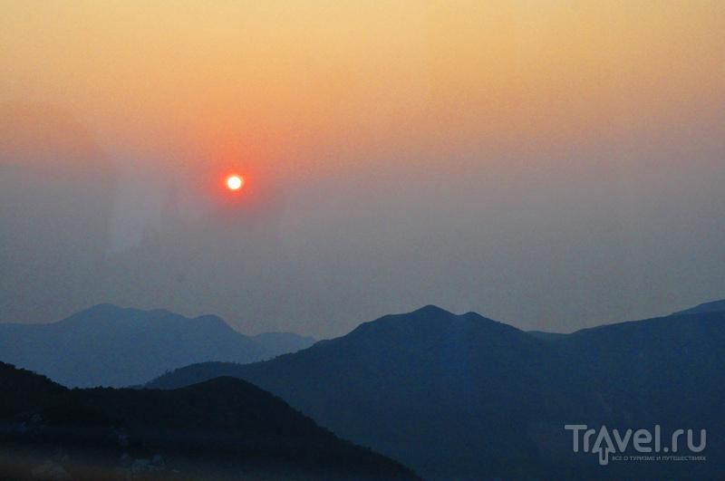 Острова Гонконга: о.Лантау; Большой Будда и Монастырь По Лин / Гонконг - Сянган (КНР)