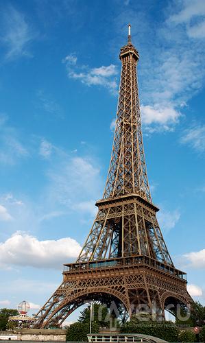 Утренний сонный Париж / Франция