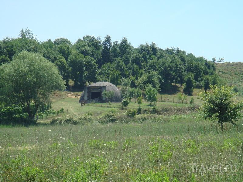 Рассказать об Албании. Путешествие в страну бункеров и мерседесов / Албания