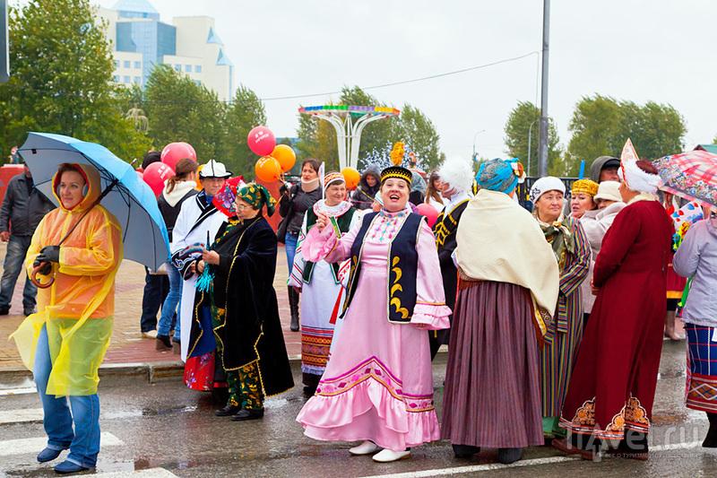 Праздничный карнавал в Югорске / Россия