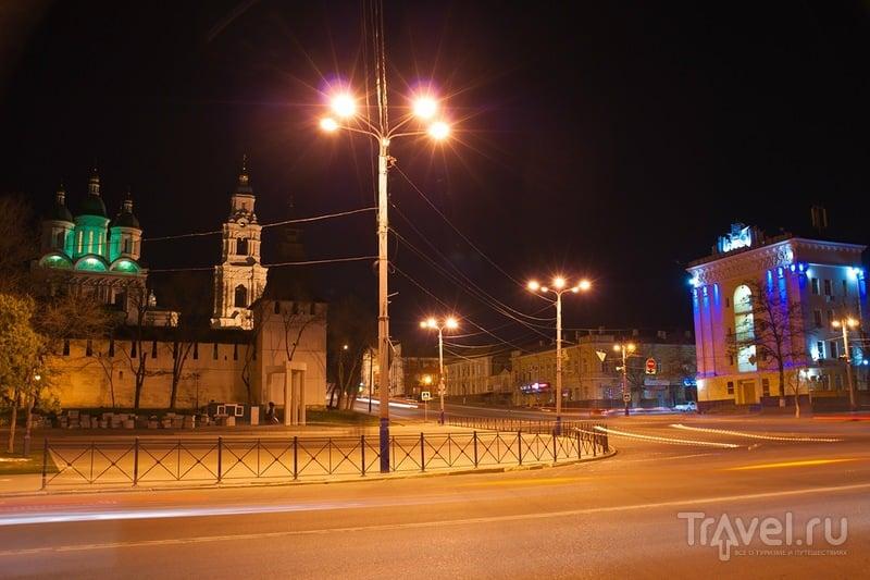 Виды ночной Астрахани / Россия