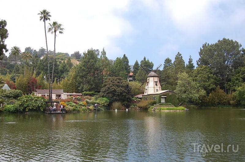 Lake shrine. Meditation gardens / Фото из США