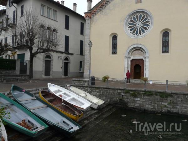 Деревенская церковь 12 века. Белладжио, Италия / Италия
