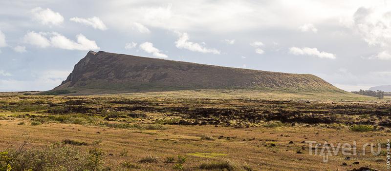 Вулкан Rano Raraku на острове Пасхи / Фото из Чили