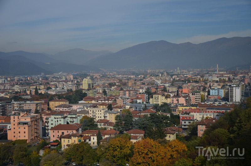 Вид на Брешию ср стен замка / Фото из Италии