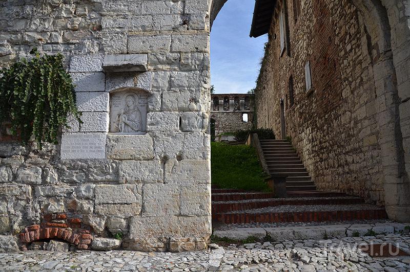 В замке Брешии / Фото из Италии