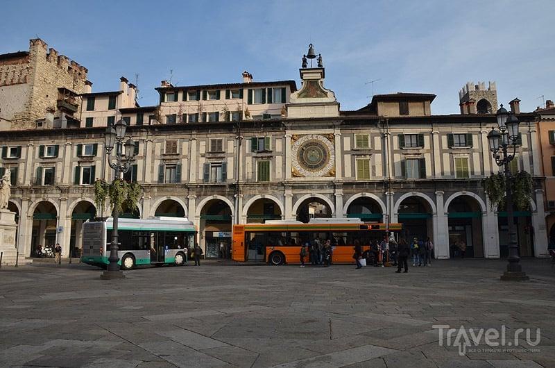 Торговые ряды с часами - Piazza della Loggia / Фото из Италии