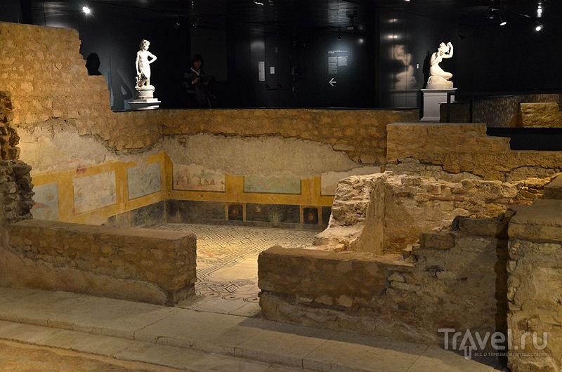 Фрагмент древнего здания / Фото из Италии