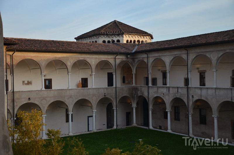 Монастырь Сан-Сальваторе и Санта-Джулии / Фото из Италии