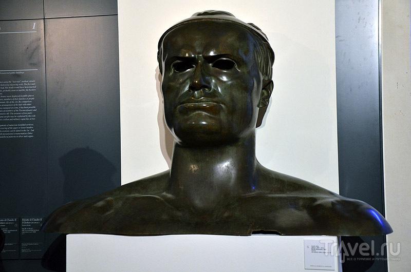 Бюст Муссолини / Фото из Италии