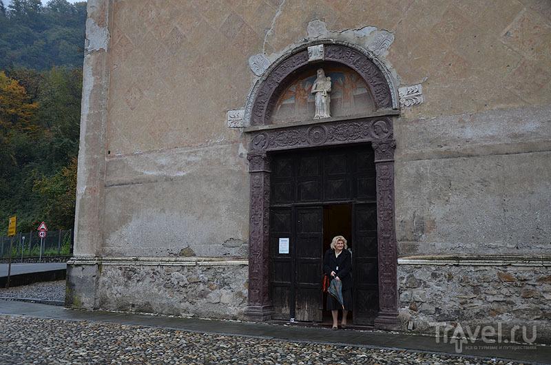Вход в церковь / Фото из Италии