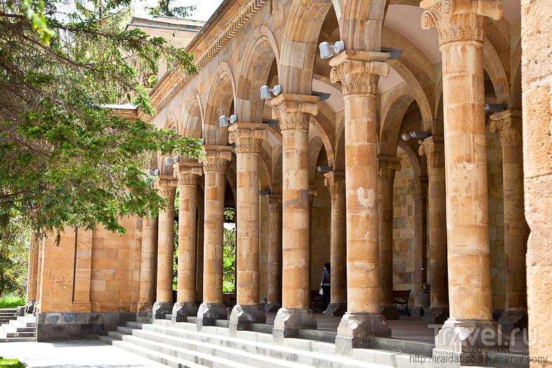 В городе Джермук, Армения / Фото из Армении