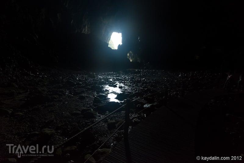 Малайзия. Пещеры в Мулу / Малайзия