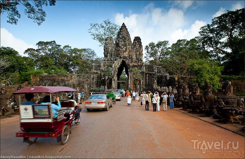 Вход в Ангкор-Тхом через Южные ворота, Камбоджа / Фото из Камбоджи