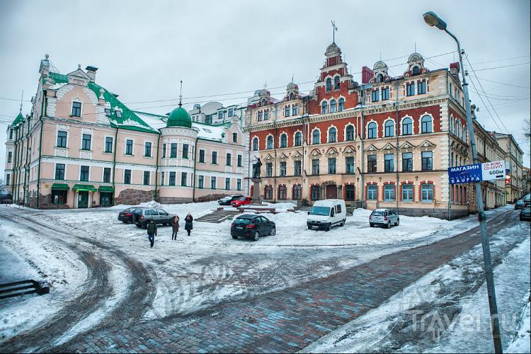 Старая площадь и ратуша в Выборге / Фото из России