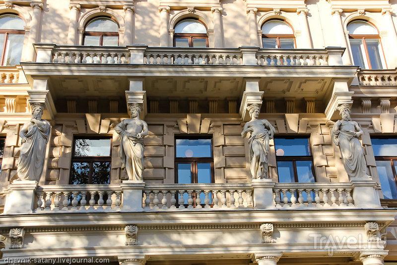 Прогулки по Вене: постеры и фасады / Фото из Австрии