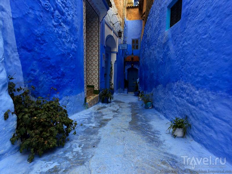 Согласно библейским заветам, синие и голубые оттенки домов должны напоминать о Боге, Марокко / Марокко