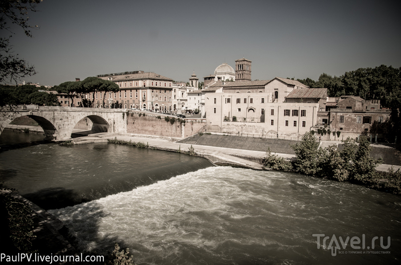 Мост Ponte Cestio в Риме, Италия / Фото из Италии