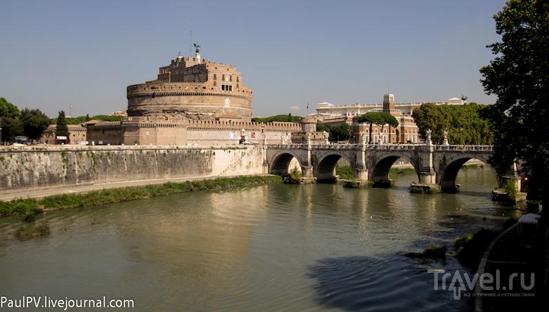Мост Ponte Sant Angelo или Элиев мост в Риме, Италия / Фото из Италии