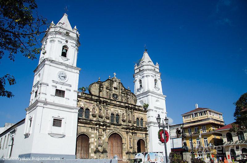 Кафедральный Собор и плаза Майор в Каско-Вьехо / Фото из Панамы