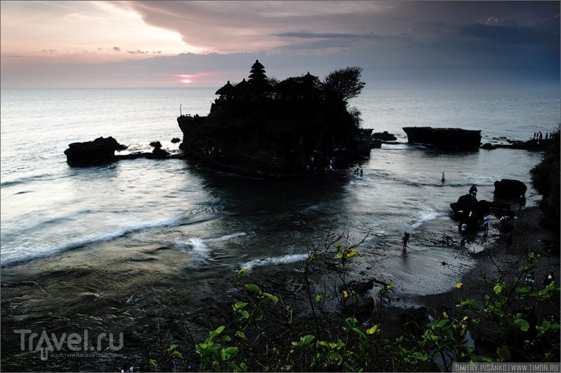 Храм Tanah Lot на Бали, Индонезия / Фото из Индонезии
