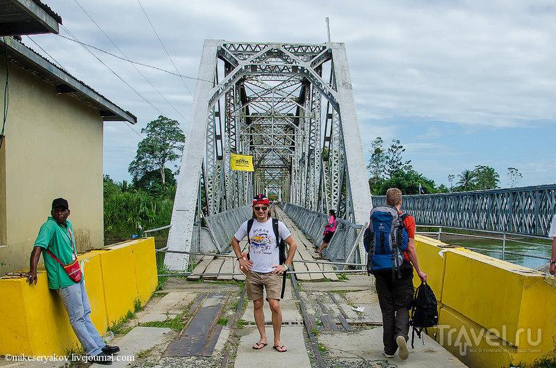 Пограничный переход между Панамой и Коста-Рикой в Сиксаола  / Фото из Панамы