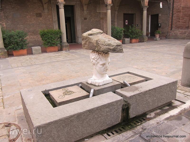 Площадь Мирри (Piazza Mirri) / Фото из Италии