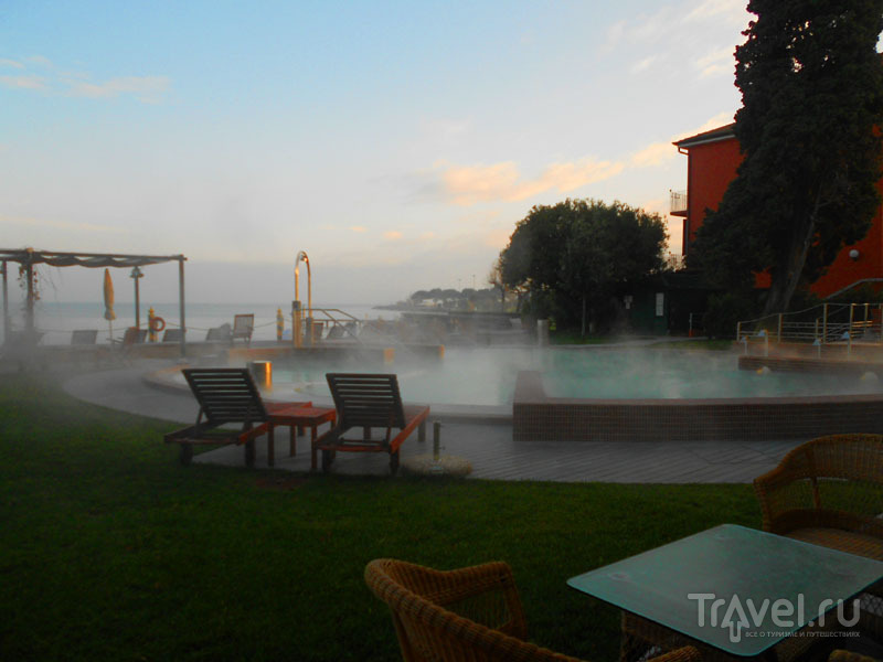 Бассейн Grand Hotel Terme в Сирмионе / Фото из Италии