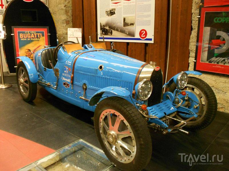 Самый дорогой автомобиль музея – Bugatti / Фото из Италии