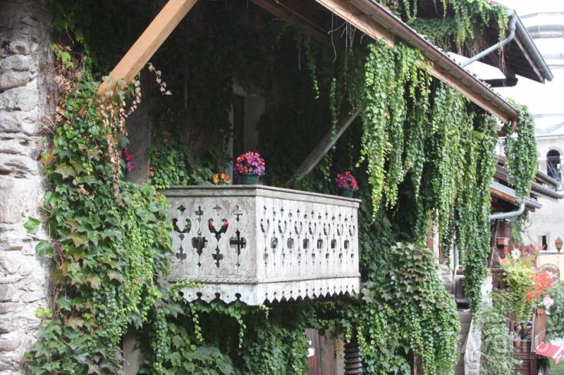 Город цветов на берегу Лемана / Франция
