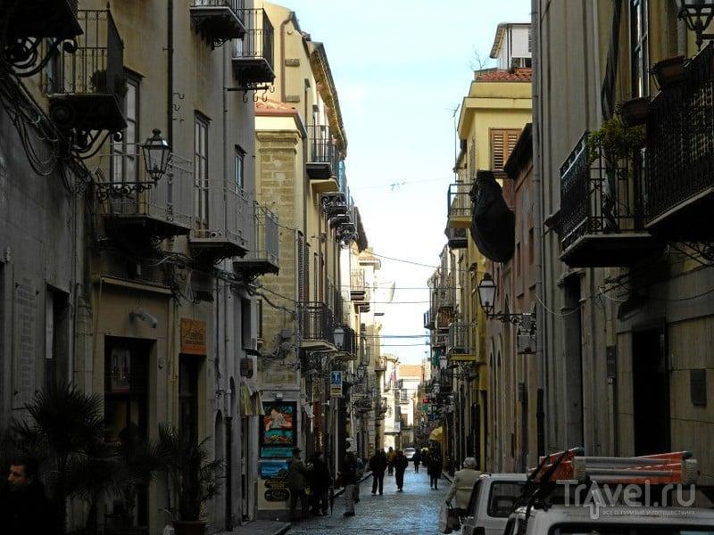 Улица Corso Ruggerio в Чефалу / Фото из Италии
