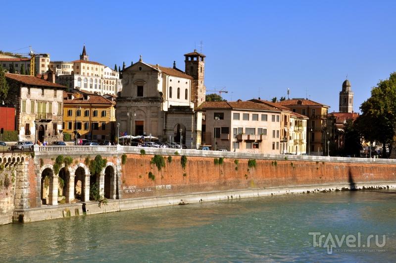 Набережная реки Адиджа в Вероне / Фото из Италии
